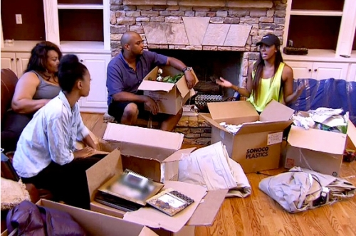 Porsha's family stops by discuss her poor choices and help unpack all her belongings all in one afternoon
